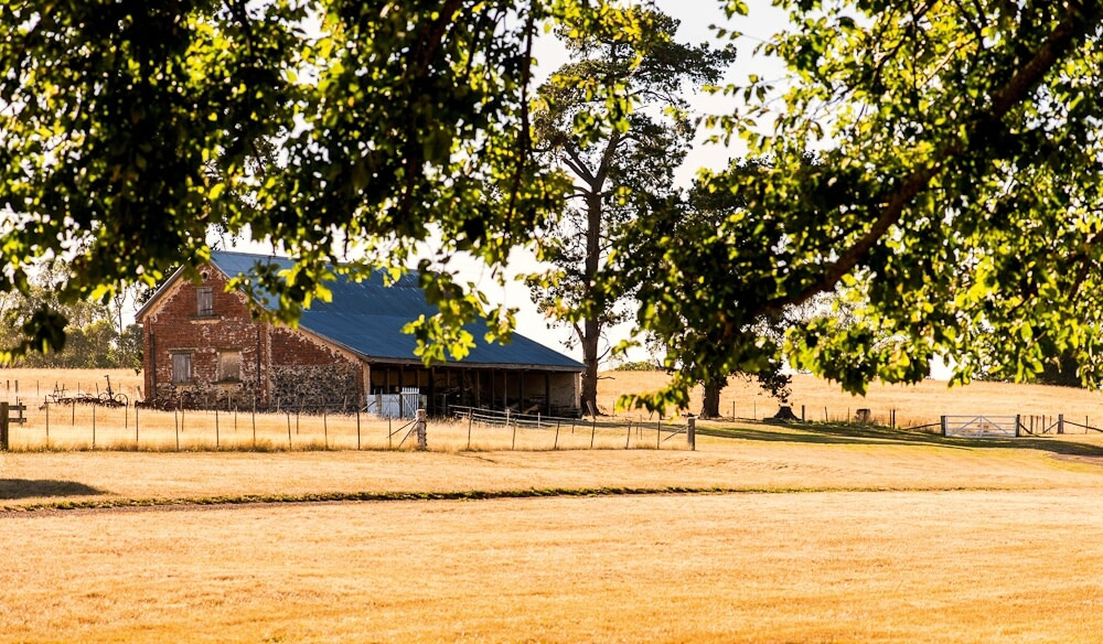 Woolmers Estate at Longford, Tasmania. Stay at the Racecourse Inn.