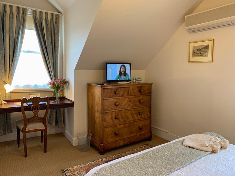 Upstairs Queen Suite